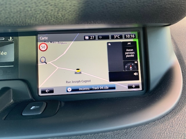 RENAULT - SCENIC III - 1.2 TCE 130CH ENERGY BOSE EURO6 2015 n° 19