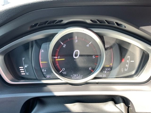 VOLVO - V40 CROSS COUNTRY - D3 150CH BUSINESS GEARTRONIC n° 8