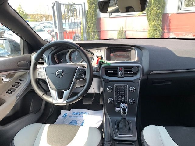 VOLVO - V40 CROSS COUNTRY - D3 150CH BUSINESS GEARTRONIC n° 12