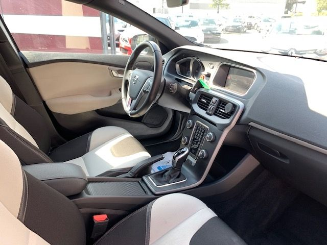 VOLVO - V40 CROSS COUNTRY - D3 150CH BUSINESS GEARTRONIC n° 13