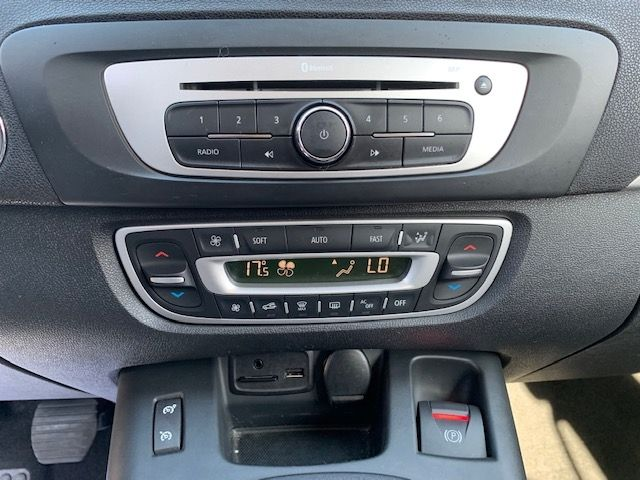 RENAULT - GRAND SCENIC III - 1.6 DCI 130CH ENERGY BUSINESS ECO² 7 PLACES n° 10